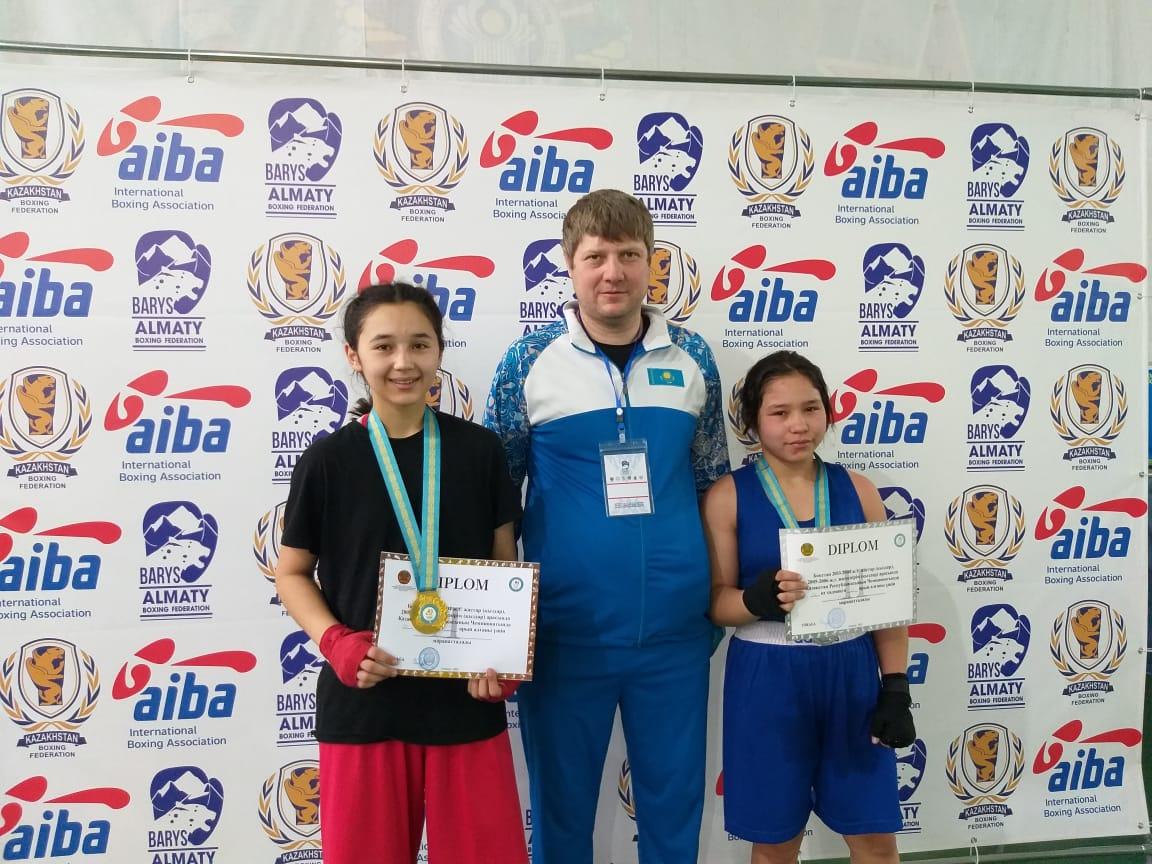 Сегодня в городе Алматы завершился ччемпионат Республики Казахстан по боксу среди молодёжи (девушек) 2003-2004 и юношей (девушек) 2005-2006.