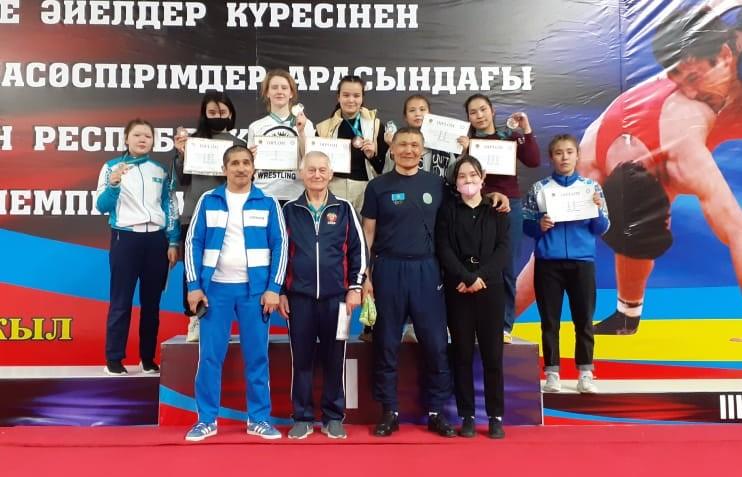 В г.Тараз 25 марта 2021г. прошел  Чемпионат Республики Казахстан по женской борьбе среди девушек 2004-2006 г.р.
